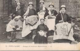 PONT -L'ABBE  --GROUPE DE BRODEUSES BIGOUDENNES - Pont L'Abbe