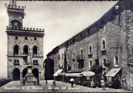 Repubblica Di San Marino - Palazzo Del Governo - Formato Grande Non Viaggiata – E 9 - San Marino