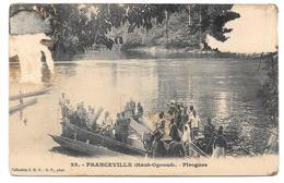 FRANCEVILLE (Haut-Ogooué) - Pirogues - Collection S.H.O.- G.P. Phot. N° 28 - Mauvais état - Gabon