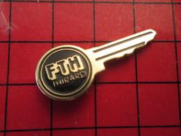 1015b PIN'S PINS / Rare Et De Belle Qualité / THEME MARQUES : FTH THIRARD CLE CLEF - Marcas Registradas