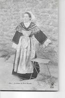 PORT NAVALO   COSTUME N 1827   FEMME A COTE CHAISE  DEPT 56 - Francia