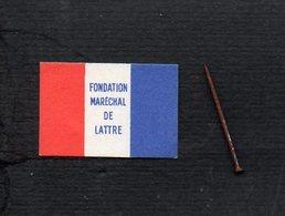 """Militaria / Insigne épinglette Carton Neuve """" Fondation Maréchal De Lattre """" Pour Nos Soldats D'Algèrie Et D'Outre-Mer - Documents"""
