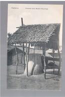 CAMEROUN Kamerun Grabmal Eines Banen- Häuptlings Ca 1915 OLD POSTCARD - Cameroun