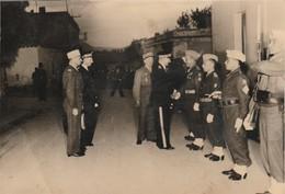 Photo - Militaire : Cérémonie ( Remise De Médaille - à Tintin )  : Au 7é R.T.A. ( Format 17cm X 11,5cm ) - War, Military