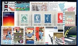 Pays Bas  / Hollande / Lot De Timbres / Etats Divers - Collections