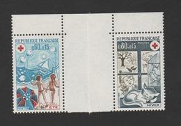 FRANCE / 1974 / Y&T N° 1828/1829 ** : Croix-rouge (Eté - Hiver) De Carnet (se Tenant) - Gomme D'origine Intacte - France