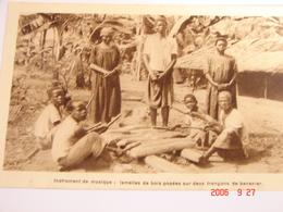 C.P.A.- Afrique - Cameroun - Missions Prêtres Sacré Coeur - Instrument Musique - Lamelles Bois - 1950 - SUP (BD66) - Cameroun