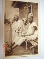 C.P.A.- Afrique - Cameroun - Missions Prêtres Sacré Coeur - Métier Tisser Petits Bamouns - 1950 - SUP (BD72) - Cameroun