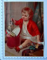 CHROMO LITHOGRAPHIE GRAND FORMAT.......ENFANT...BOITE A CHAPEAUX....ARROSAGE DES FLEURS DU CHAPEAU DE PAILLE - Vieux Papiers