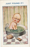 """Donald McGill. Baby In Bath. Just Found Ir!""  Inter-Art Comiue Series PC # 8791 - Illustrateurs & Photographes"