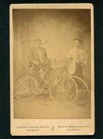 2 CICLISTAS Bicicletas (Antonio Justino Da Costa Praça). Fotografo: ADRIANO GOMES TINOCO / COIMBRA PORTUGAL - Photos