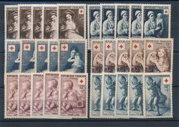 CP-309: FRANCE: Lot  Croix Rouge 1953/54/55** Stock (5 Séries) - France