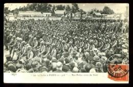 Le 14 Juillet à PARIS En 1916 - Nos Poilus Venus Du Front - (Beau Plan Très Animé) - War 1914-18