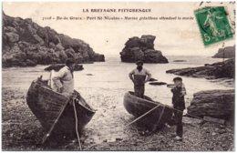 56 ILE DE GROIX - Port SAINT-NICOLAS - Marins Grésillons Attendant La Marée - Groix