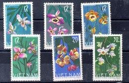 Serie De Vitnam Del Norte N ºYvert 482/87 ** (Nº 483 Punto De óxido) FLORES (FLOWERS) - Vietnam