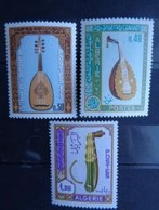 ALGERIE 1968 N° 460 à 462 ** - INSTRUMENTS DE MUSIQUE - Algérie (1962-...)