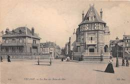 FECAMP - La Rue Des Bains De Mer - Fécamp