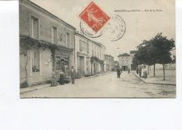 CPA  - Beauvais Sur Matha - Rue De La Poste - Maréchalerie - Circulée - - Altri Comuni