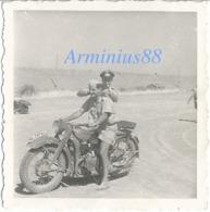 Luftwaffe - KG 1 In Tunesien, 1943 - Afrikakorps Tropenuniform - BMW R12 Kraftrad - Afrique Du Nord, Tunisie - Guerre, Militaire