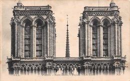Carte Postale PARIS (75) Cathédrale Notre-Dame Les Tours Et La Flèche (Eglise-Religion) - Eglises