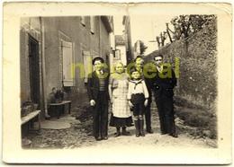 Ancienne Photo Extérieur Argentique N&B Amateur Groupe Famille NOGARO 32110 Gers 32 Instantané Tirage 9x6 Papier 1939 - Anonyme Personen