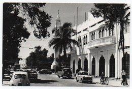 SOMALIA - MOGADISCIO CORSO SOMALIA / OLD CARS-FIAT 1100 / VW KAFER-BEETLE / TRANSPORTER / MOSQUE - 1966 - Somalia
