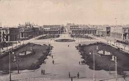 MONTEVIDEO. PLAZA INDEPENDENCIA. CPA CIRCULEE 1919 A ITALIA ITALIE TIMBRE ARRACHE - BLEUP - Uruguay