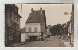 CPSM LE MESNIL SAINT DENIS (Yvelines) - CARRIERES SOUS BOIS : Place De Strasbourg - Le Mesnil Saint Denis