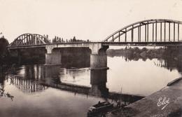 Le Pont Sur Le Lot St Livrade Sur Lot - Francia