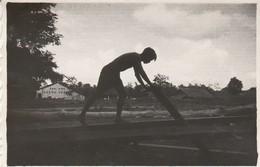 Vietnam - Cochinchine : L'ile De BEUTRE : Scieur De Long - 1947 - ( Format 8,7cm X 5,8cm ) - Lieux