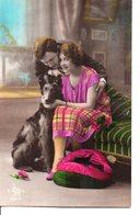 Vraie Photo Colorisée  : Jolie Couple Avec Un Berger Belge - Femmes