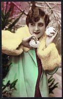 FEMME - CP - Jeune Femme Lançant Des Boules De Neige - Circulé - Circulated - Gelaufen - 1930. - Femmes