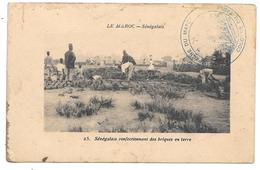 LE MAROC - Sénégalais Confectionnant Des Briques En Terre - N° 25 - 1914 - Tampon CAMPAGNE DU MAROC COLONNE DU TADLA - Unclassified