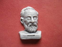 Fève Pasteur Série Ils Ont Fait La France (  Moulin à Huile ) 2002 - Fève - Rare - Histoire