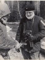 """RUSSIA. #1633 A PHOTO. """"A MAN WITH A PHOTO-APPARATUS AND A CHAMPAGNE BOTTLE. - Proiettori Cinematografiche"""