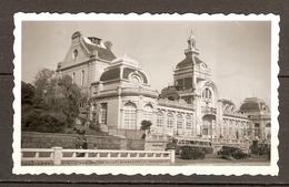 PHOTO ORIGINALE - LE HAVRE LE CASINO MARIE CHRISTINE AVANT SA DESTRUCTION EN 1960 - CAR AUTOBUS BUS - ZOOM - Places