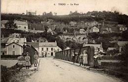 CPA Troo Le Pont - Animée - Autres Communes