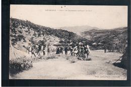 ETHIOPIE Abyssinie Tribu De Bambaras Battant Le Ble Ca 1910 OLD  POSTCARD - Ethiopië