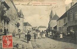 -dpts Div. -ref-AH787- Nièvre - Vandenesse - Entree Du Village Et Place - Voir Description - - Other Municipalities