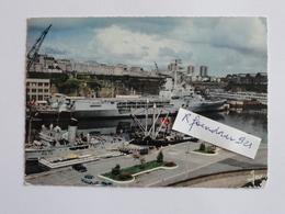 BREST (Nord-Finistere) LA JEANNE D'ARC Dans L'arsenal - Brest