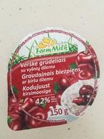 Lithuania Litauen  Curd With Cherry Jam Top - Coperchietti Di Panna Per Caffè