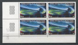 TAAF 1984 PA N° 81 ** Bloc De 4 Coin Daté Neuf MNH Superbe C 13,75 € Météorologie Aurore Polaire Espace Space - Poste Aérienne