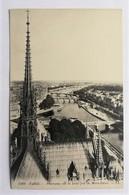 CPA. PARIS - Notre Dame De Paris: Panorama Depuis Notre-Dame - Kirchen U. Kathedralen