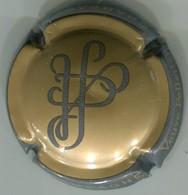 CAPSULE-CHAMPAGNE PELLETIER (VVE) N°02 Fond Or-bronze, Contour Gris - Champagne