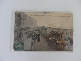Le Tréport, L'attelage Du Cirque Pinder Passant Sur L'esplanade De La Plage. - Le Treport