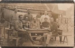 ***  MILITARIA - Photo Carte Soldats Només Au Dos PLIS - Le Repos Des Guerriers - Manoeuvres
