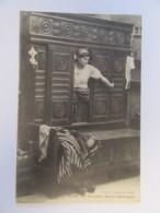 Collection E. Hamonic N°3926 - Un Lit-Clos - Basse-Bretagne - Carte Animée, Circulée En Juillet 1912 - Personnages