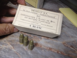 Boite De 50 Cartouches  A Blanc Couleur Bronze De Cinema, Calibre 9x19 - Armes Neutralisées