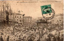 NICE  Carnaval XLII - La Foule Sur La Place Masséna  (112915) - Carnival