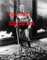 Reproduction D'une Photographie Ancienne De Buster Crabbe Dans Le Rôle De Flash Gordon En 1936 - Reproductions